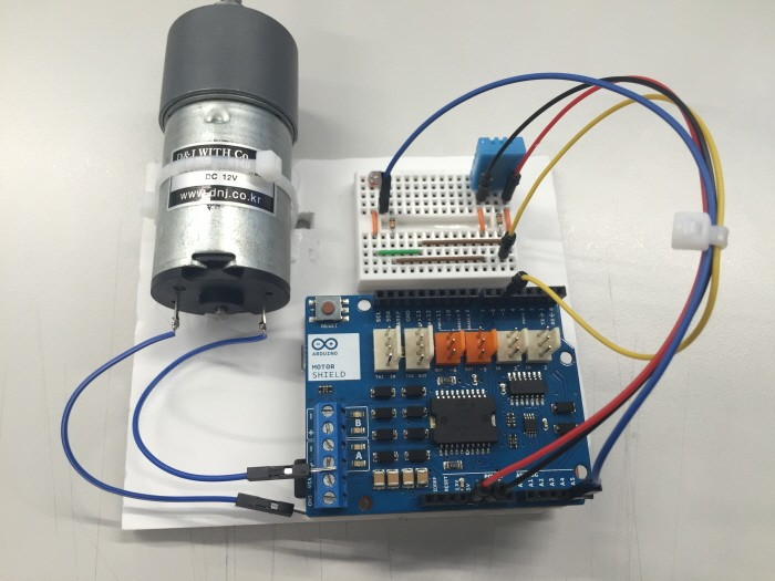 Forum posts together with Relay For Intermittent Wiper Function together with Viewtopic likewise Accessories as well Moc3020 Izole Triyak Kontrol Devresi. on 12v relay wiring diagram