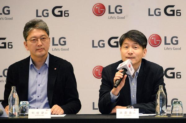'LG V30', F1.6 카메라 렌즈 탑재로 극강의 선명함 구현 - 테크홀릭